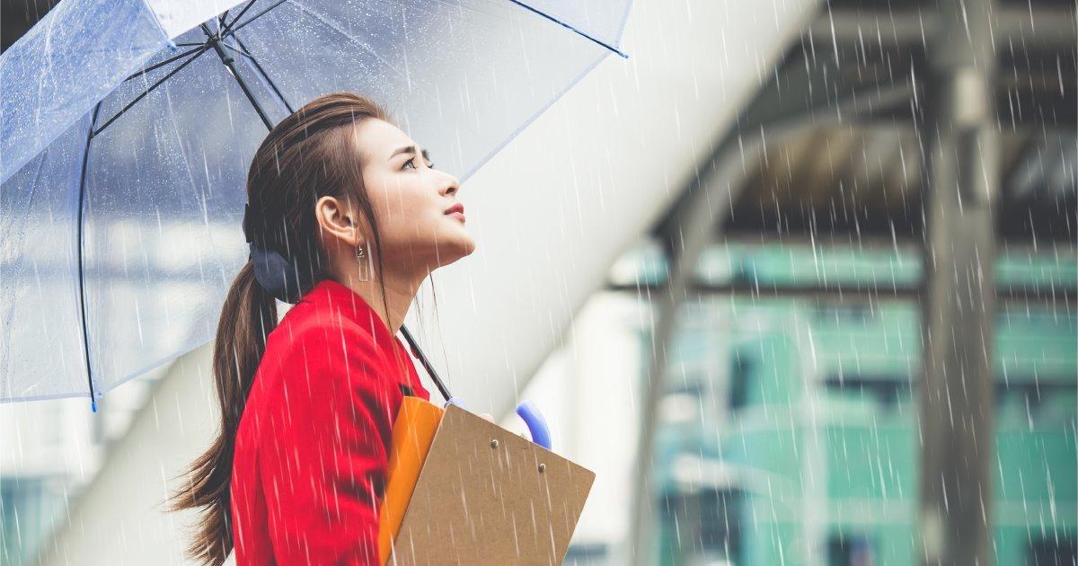 雨の日は注意して! 梅雨のときの冷え対策 −温グッズ−