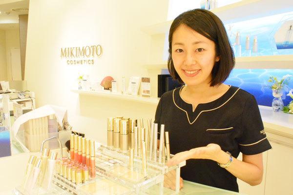 ミキモトコスメティックスギンザ 直営店美容部員(販売スタッフ)契約社員の求人の写真