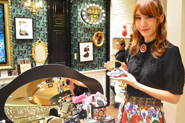 アナ スイ 新宿・渋谷・青山・六本木エリアの百貨店・ファッションビル美容部員(ナビゲーター)契約社員の求人のスタッフ写真2