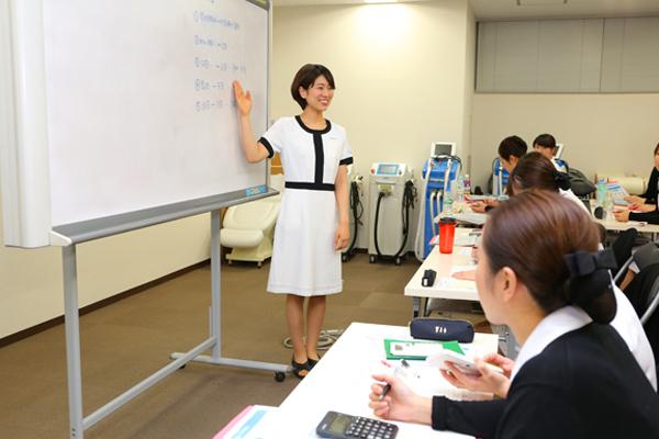 キレイモ 新宿本店エステ・エステティシャン正社員,アルバイト・パートの求人のスタッフ写真6