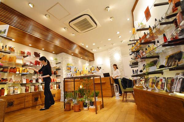 ラ・カスタ 銀座本店美容部員・化粧品販売員(販売スタッフ)契約社員の求人の店内写真2
