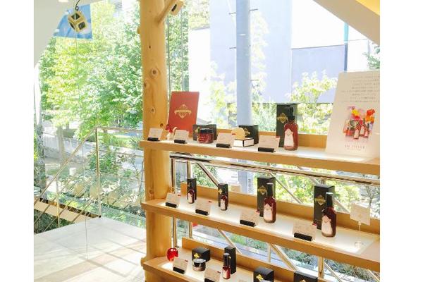 テラリウム 表参道美容部員(販売スタッフ)契約社員の求人の店内写真1