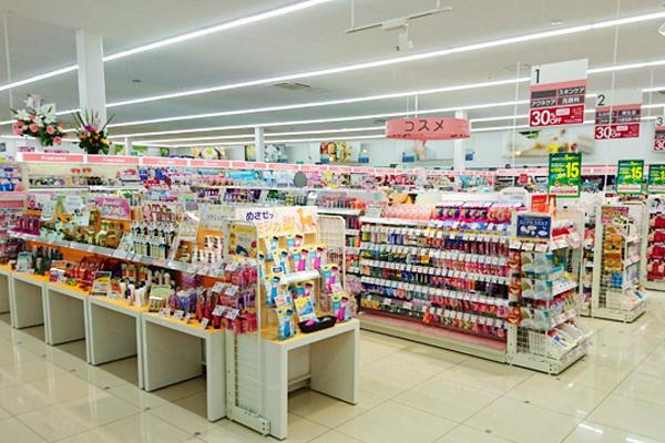 池田店美容部員正社員,契約社員,アルバイト・パートの求人の店内写真3
