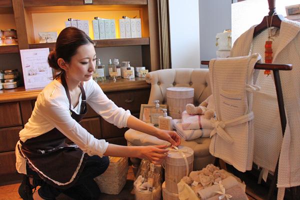 SABON GINZA SIX店(4月21日NEW OPEN)美容部員(バス&ボディケアの販売)正社員,アルバイト・パートの求人のスタッフ写真2
