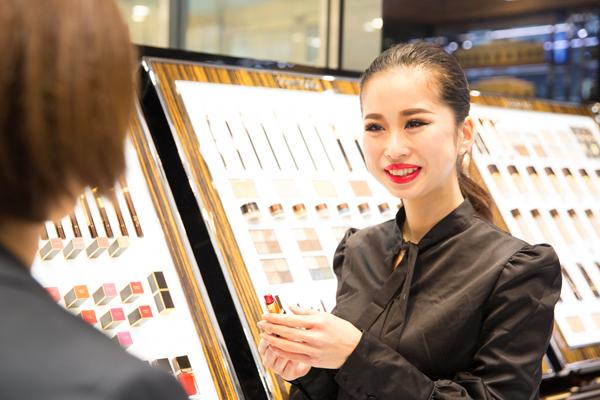 トム フォード ビューティ 伊勢丹 新宿本店美容部員(トム フォード ビューティ スペシャリスト)契約社員の求人の写真
