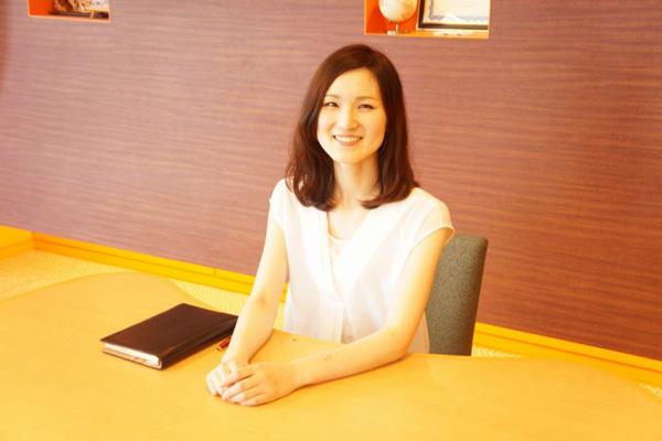 THREE 東京都内エリア百貨店などの商業施設美容部員派遣の求人のスタッフ写真4