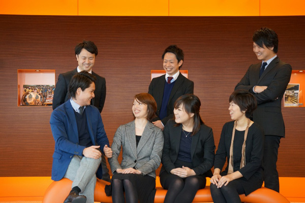 THREE 東京都内エリア百貨店などの商業施設美容部員派遣の求人のスタッフ写真3