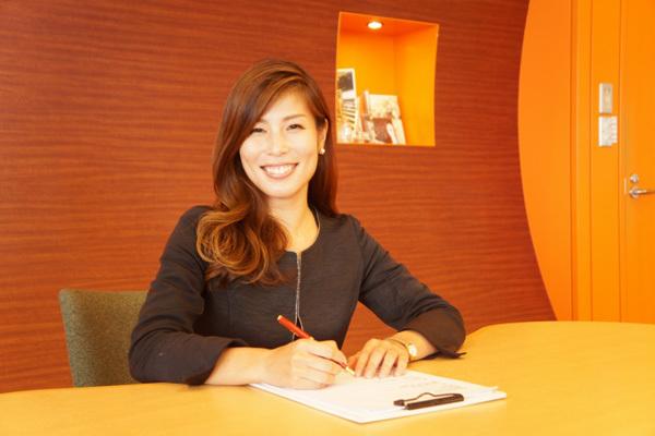 THREE 東京都内エリア百貨店などの商業施設美容部員派遣の求人のスタッフ写真5