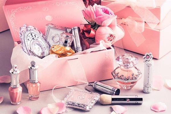 ジルスチュアート 東京都内エリア百貨店などの商業施設美容部員派遣の求人のサービス・商品写真1