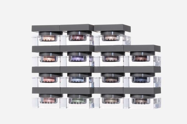 THREE 都内直営店オープン(2017年秋オープン予定)美容部員・化粧品販売員(THREE クリエイター)契約社員の求人のスタッフ写真1