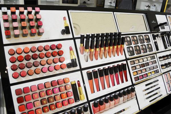 伊勢丹 立川店美容部員(化粧品販売員)契約社員の求人の写真
