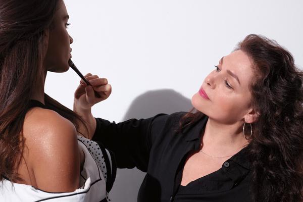 ローラ メルシエ 東京エリア美容部員(ビューティアドバイザー)契約社員の求人のサービス・商品写真1
