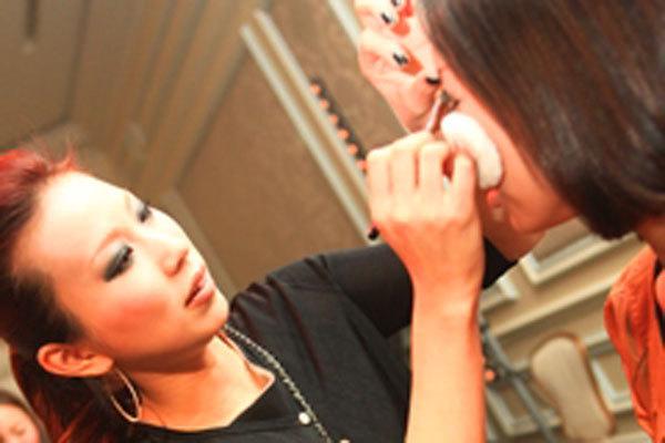 ADDICTION 東京エリア百貨店美容部員(パーソナルアドバイザー【1】契約社員【2】アルバイト(学生))契約社員,アルバイト・パートの求人のその他写真2