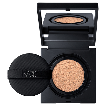 NATURAL RADIANT LONGWEAR CUSHION FOUNDATION / NARS