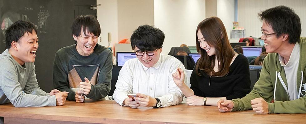 仲間と協力しながらユーザーの期待を超えるアプリデザインを考えるUIデザイナー大募集!の求人の画像