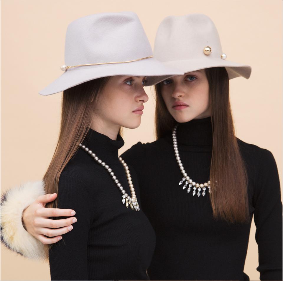 【正】ECサイトの店長候補を募集!/応募資格は「ファッションが大好き」なこと/新卒・第二新卒OKの求人の画像